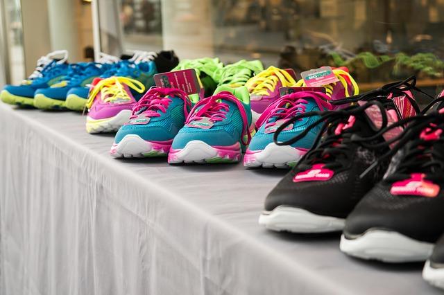 barevné tenisky