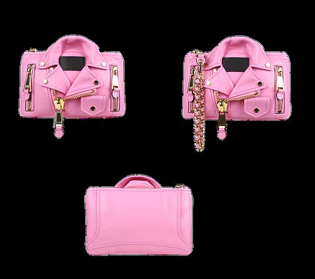růžové bundy a kabelka