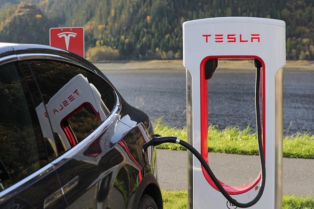 Tesla nabíjení