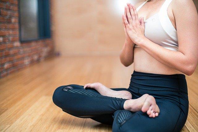 cvičit jogu