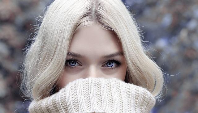 pomněnkové oči